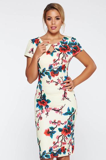 Rochie galbena eleganta cu un croi mulat cu imprimeuri florale material fin la atingere