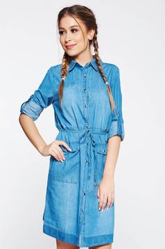 Rochie SunShine albastra casual cu un croi drept din denim cu buzunare si snur in talie