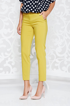 Pantaloni galbeni office conici cu talie medie si buzunare in fata