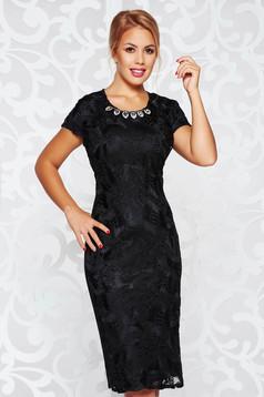 Rochie neagra eleganta tip creion captusita pe interior accesoriu tip colier
