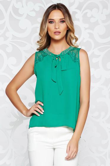 Bluza dama StarShinerS verde eleganta cu croi larg din voal cu aplicatii de dantela si pietre stras cusute manual