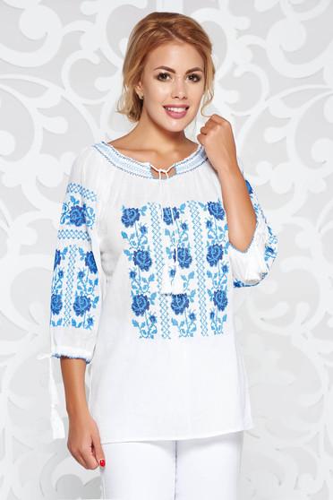 Bluza dama alba casual brodata cu croi larg din bumbac neelastic accesorizata cu snur
