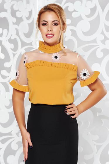 Bluza dama SunShine mustarie eleganta brodata cu croi larg cu volanase la maneca