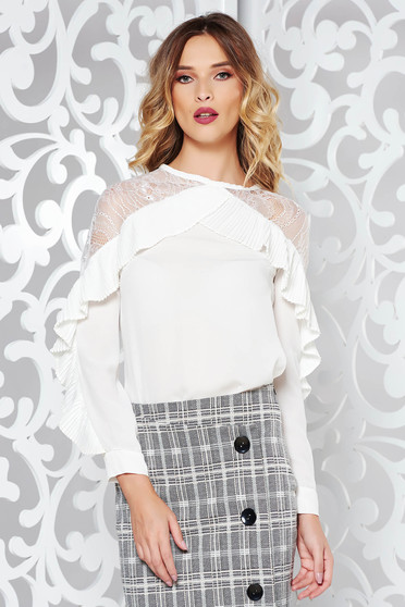 Camasa dama alba eleganta cu croi larg dinmaterial usor transparent cu aplicatii de dantela si volanase