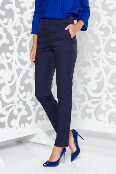 Pantaloni albastri-inchis office cu un croi drept din stofa subtire usor elastica cu talie medie si buzunare
