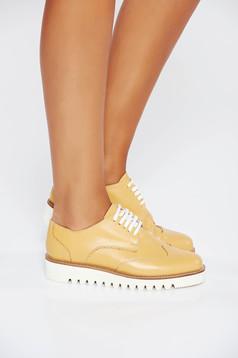 Pantofi mustarii casual din piele naturala cu talpa usoara si cu siret