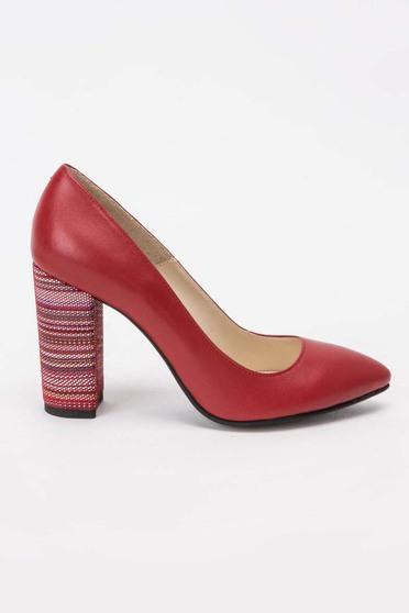 Pantofi rosu elegant din piele naturala cu varful usor ascutit