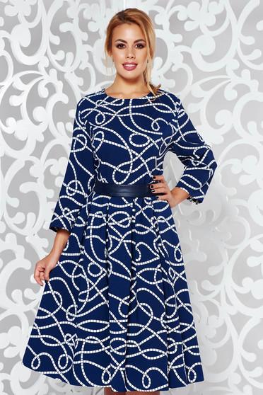 Rochie albastra eleganta midi in clos bumbac usor elastic cu imprimeuri grafice accesorizata cu cordon