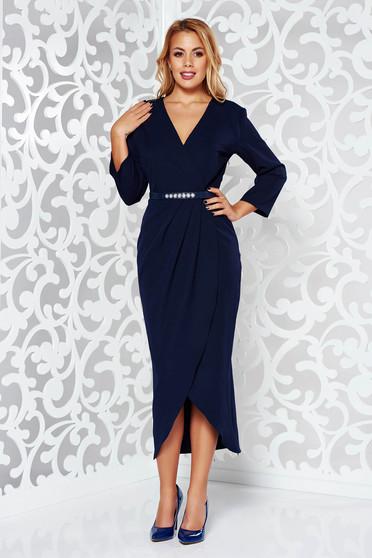 Rochie albastra-inchis eleganta cu decolteu cu maneca 3/4 din stofa subtire usor elastica cu accesoriu tip curea