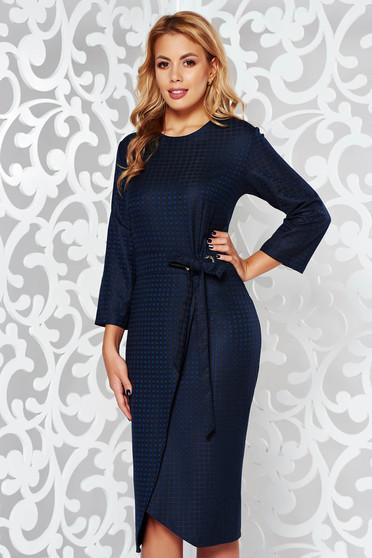 Rochie albastra-inchis eleganta midi cu maneca 3/4 din stofa neelastica in carouri cu snur in talie