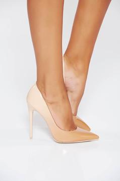 Pantofi crem eleganti din piele ecologica lacuita cu varful usor ascutit si toc inalt