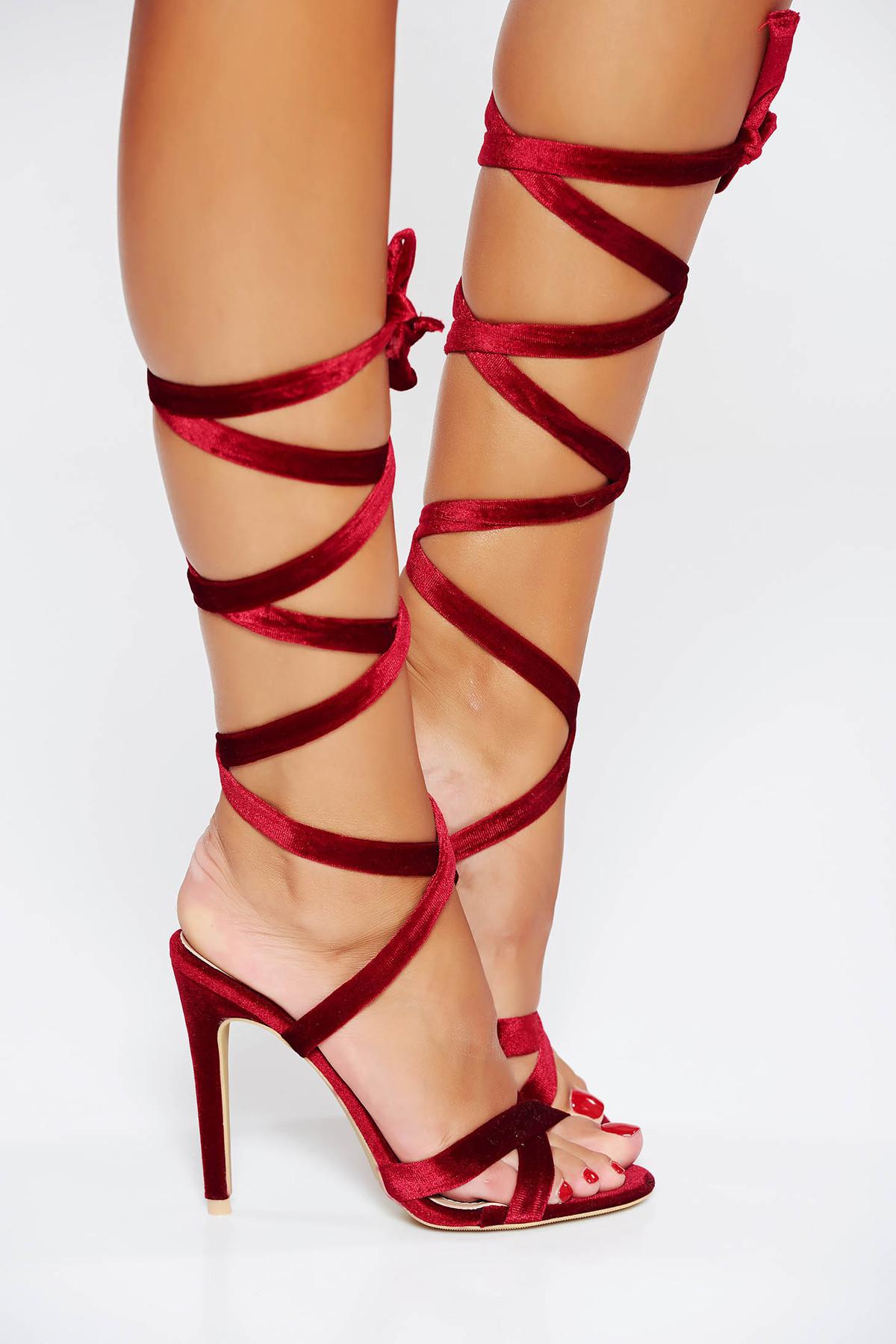 Sandale rosii de ocazie cu barete subtiri