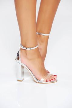 Sandale argintii elegante din piele ecologica cu barete subtiri si toc gros