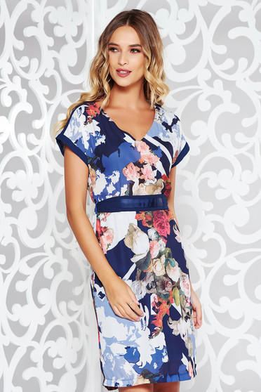 Rochie albastra-inchis eleganta cu un croi drept material usor transparent cu imprimeu floral