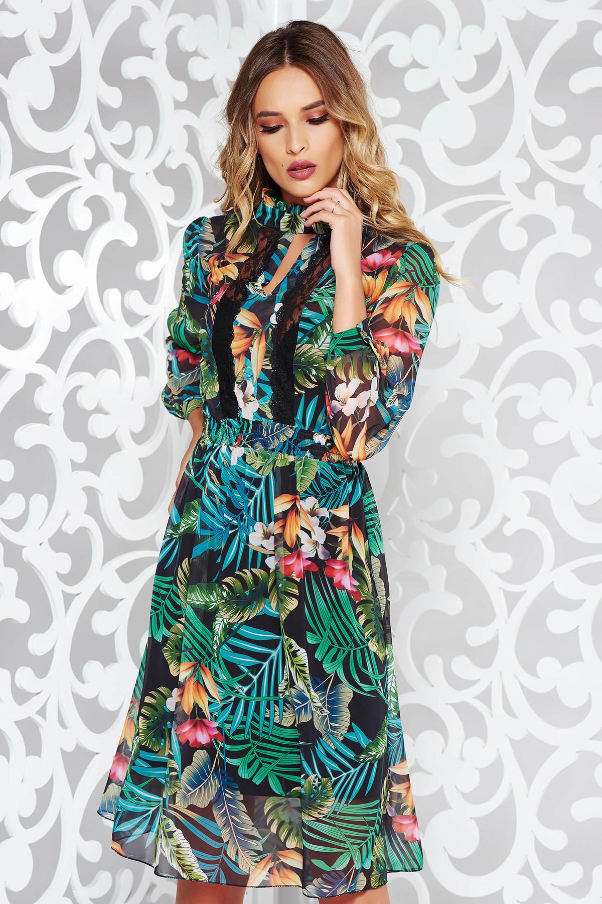 Rochie verde eleganta in clos din voal cu imprimeu floral cu aplicatii de dantela