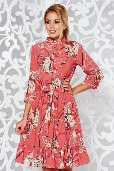 Rochie PrettyGirl rosa de zi in clos cu maneca 3/4 din material vaporos cu imprimeuri florale
