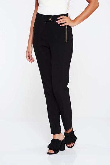 Pantaloni negri office cu talie medie cu un croi mulat din material usor elastic
