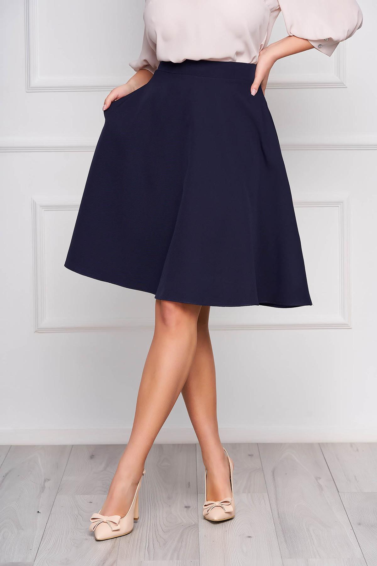 Fusta StarShinerS albastra-inchis eleganta in clos cu talie inalta din stofa usor elastica