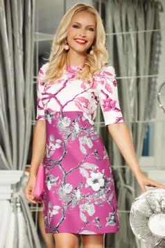Rochie Fofy roz eleganta cu croi in a cu maneca 3/4 din material usor elastic cu imprimeuri florale