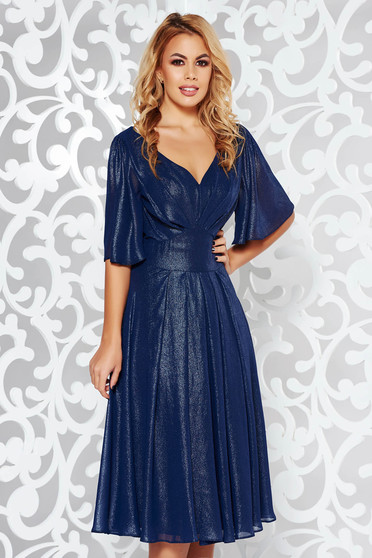 Rochie albastra-inchis de ocazie in clos din material lucios captusita pe interior cu decolteu in v