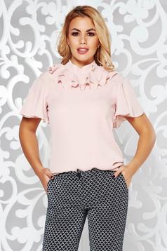 Bluza dama rosa PrettyGirl eleganta cu croi larg din voal cu volanase si accesoriu metalic