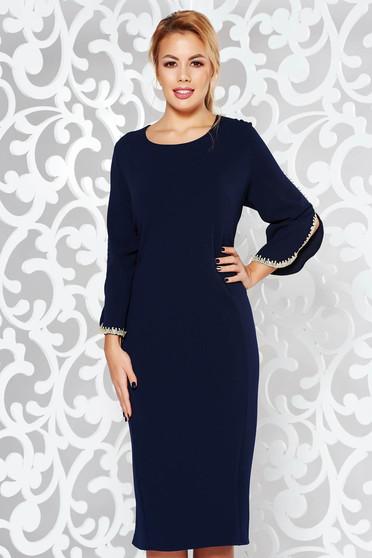 Rochie albastra-inchis eleganta tip creion din material elastic cu insertii de broderie cu maneci trei-sferturi