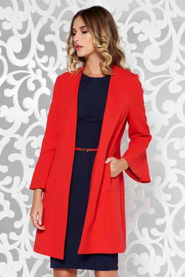 Palton rosu elegant din material fin la atingere captusit pe interior cu buzunare si maneci trei-sferturi cu volanase