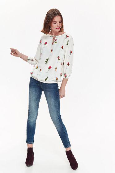 Bluza dama Top Secret alba casual cu croi larg din material vaporos cu imprimeuri florale