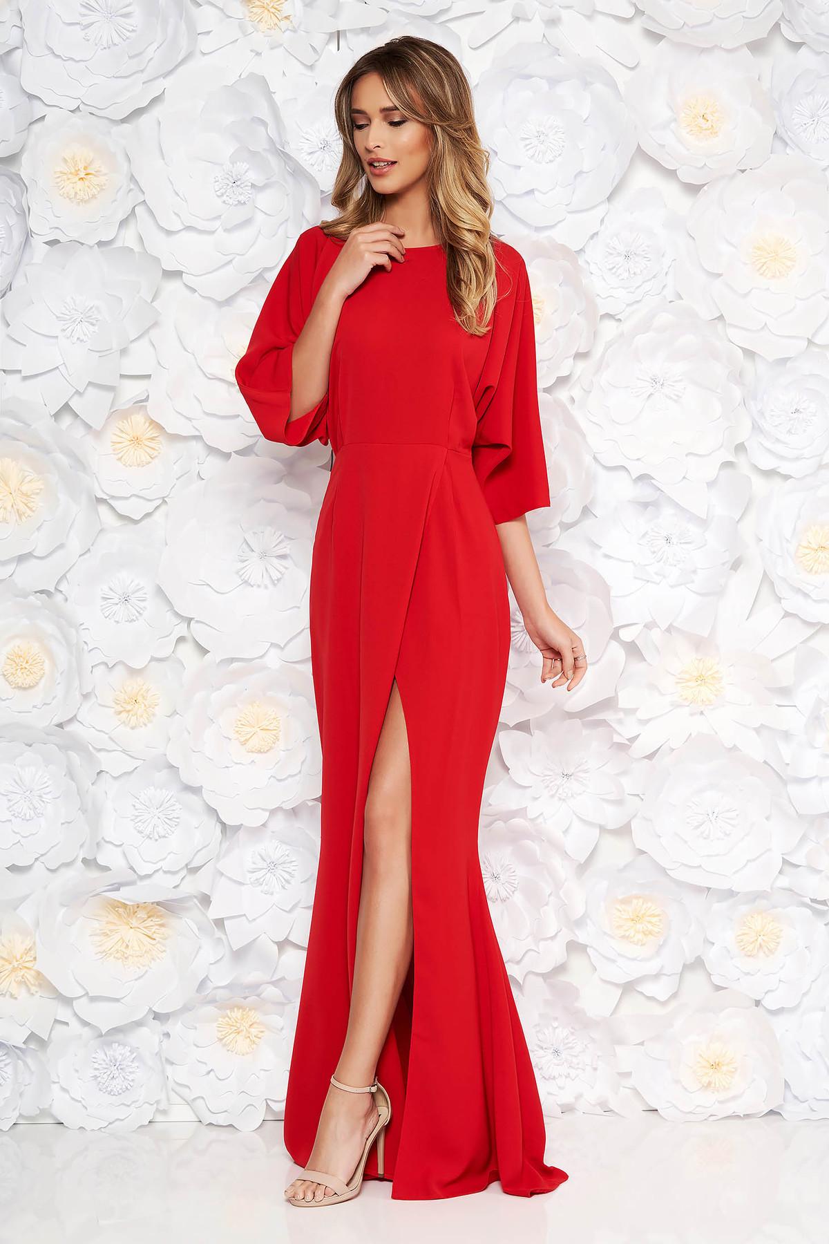 Rochie rosie de ocazie din material usor elastic si fin la atingere cu spatele decupat