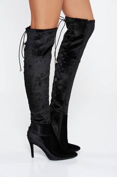 Cizme dama negre din material catifelat cu varful usor ascutit