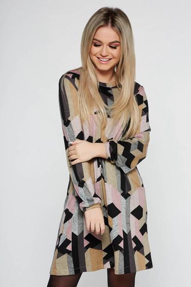 Rochie mustarie StarShinerS de zi cu croi larg din material tricotat