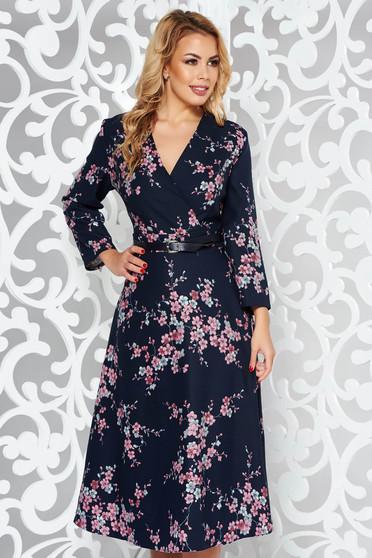 Rochie albastra-inchis eleganta in clos din stofa usor elastica cu accesoriu tip curea