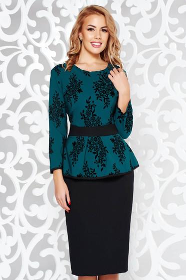 Rochie verde eleganta tip creion din stofa subtire usor elastica cu peplum