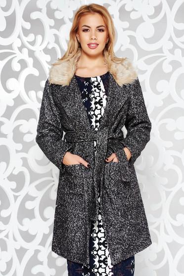 Palton negru casual din stofa captusit pe interior cu guler din blana accesorizat cu cordon si cu buzunare