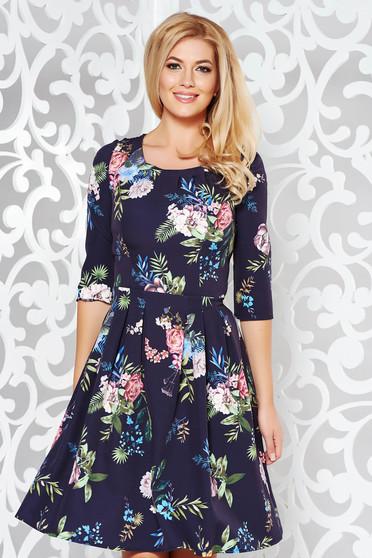 Rochie neagra eleganta in clos din stofa usor elastica cu imprimeuri florale