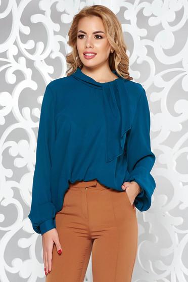 Bluza dama turcoaz eleganta din voal cu croi larg cu maneci lungi si guler tip esarfa