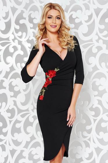 Rochie StarShinerS neagra eleganta cu un croi mulat din stofa elastica subtire cu insertii de broderie