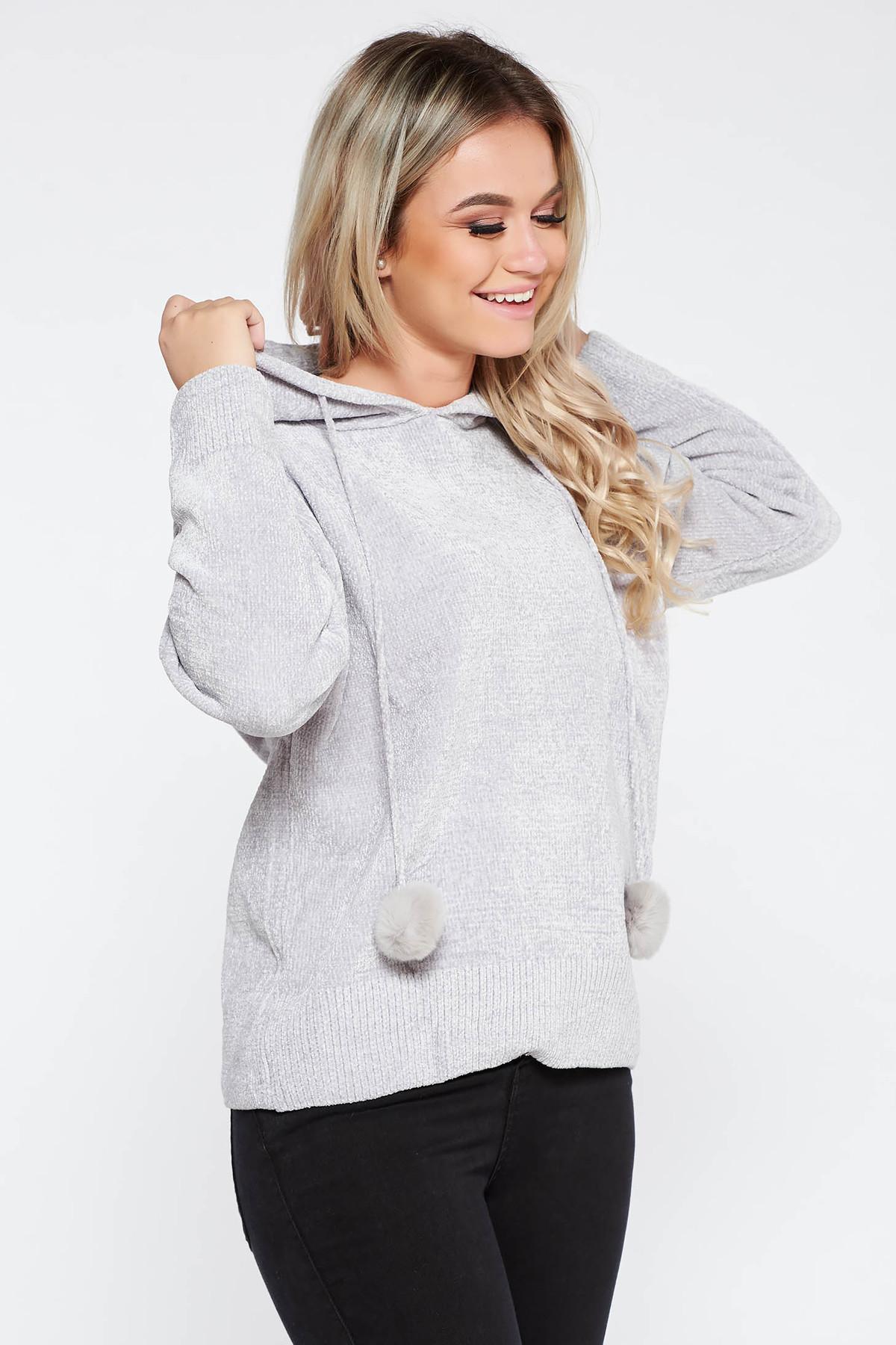 Pulover SunShine gri casual din material tricotat moale si pufos cu gluga nedetasabila