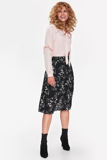 Bluza dama Top Secret rosa eleganta cu croi larg din material satinat cu volanase