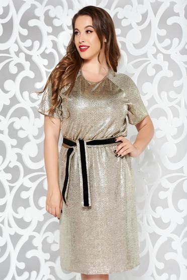 Rochie StarShinerS aurie de party din material subtire cu aspect metalic captusita pe interior accesorizata cu cordon
