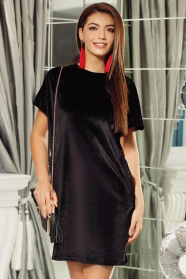 Rochie Fofy neagra eleganta cu croi larg din catifea cu spatele decupat
