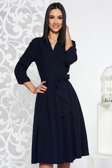 Rochie albastra-inchis eleganta midi in clos din bumbac neelastic cu decolteu in v