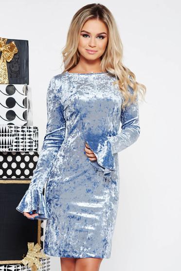 Rochie StarShinerS albastra-deschis de ocazie cu un croi mulat din catifea cu volanase la maneca