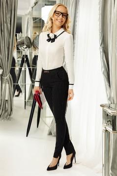 Pantaloni Fofy negri office conici cu talie medie din stofa neelastica cu buzunare si accesoriu metalic