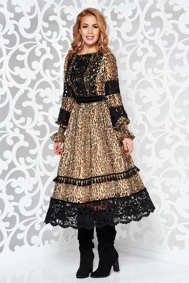 Rochie LaDonna neagra eleganta in clos din voal captusita pe interior cu aplicatii de dantela si ciucuri