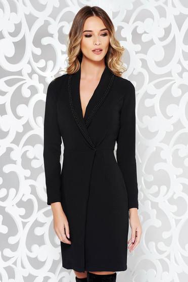 Rochie PrettyGirl neagra eleganta tip sacou cu un croi cambrat din bumbac usor elastic cu aplicatii cu margele