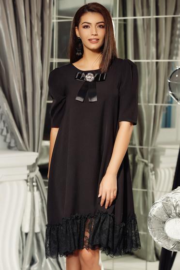 Rochie Fofy neagra eleganta cu croi larg din material usor elastic cu aplicatii de dantela