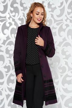 Palton LaDonna mov elegant cu un croi cambrat din stofa captusit pe interior cu aplicatii de catifea si cu buzunare