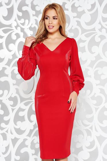 Rochie rosie eleganta tip creion din material usor elastic lucios captusita pe interior cu decolteu in v