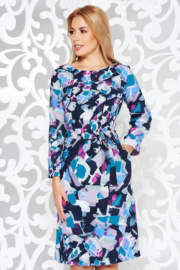 Rochie albastra de zi cu croi larg din material vaporos accesorizata cu cordon